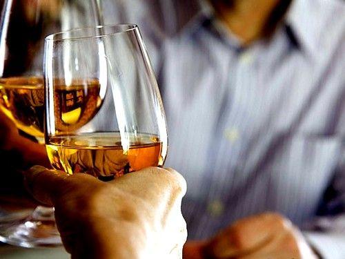 чрезмерное употребление алкогольной продукции может привести к атрофическому гастриту