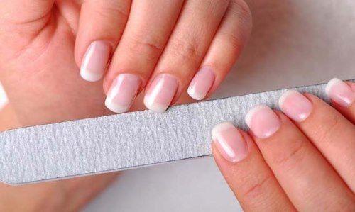Правильный уход за ногтями – профилактика лейконихии
