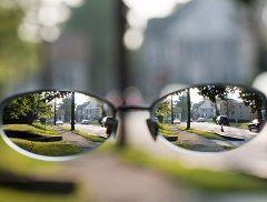 Очки - наиболее простой способ коррекции близорукости