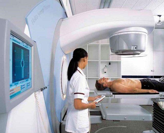Лучевая терапия активно используется и лечении меланомы и других онкологических заболеваний
