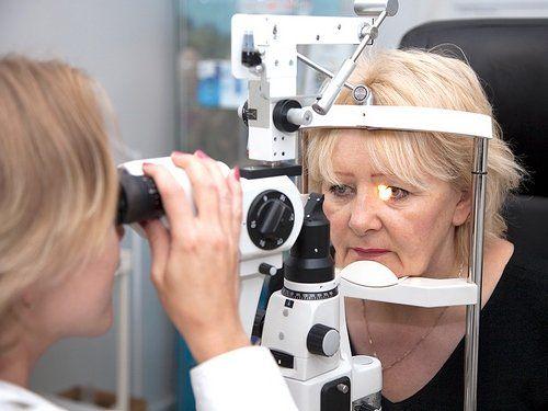 Своевременно начатое лечение меланомы глаза способно предотвратить потерю органа в конечном итоге