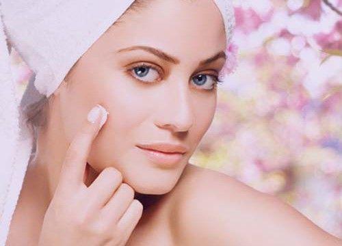 Posebna kozmetike i masku ožiljaka nakon akni