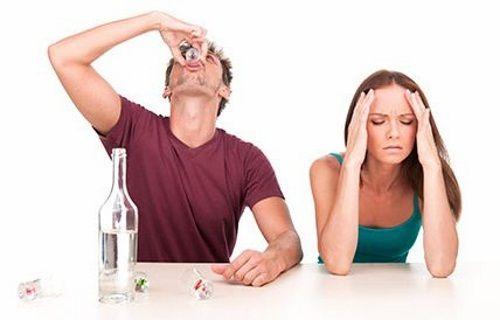 Alcoolismul distruge viața oamenilor