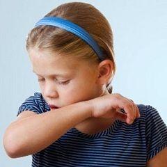 Лающий кашель у детей - симптом коклюша, ложного крупа и других вирусных инфекций