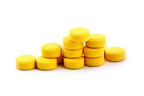 Сильным эффектом против заболевания обладает раствор Фурацилина