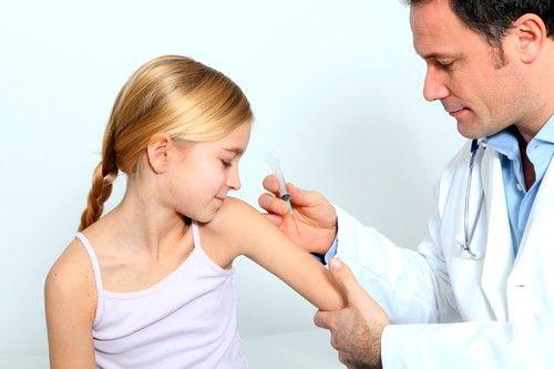 Ежегодно разрабатывается новая вакцина с учетом прогнозов преобладающих штаммов