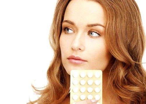 Нередко женщины отмечают кровяные выделения после месячных при приеме противозачаточных средств