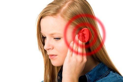 Причиной шума в ушах и головокружения может быть изменение кровяного потока