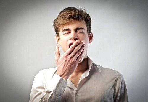 Характерным симптомом пониженного давления считается появление частого зевания