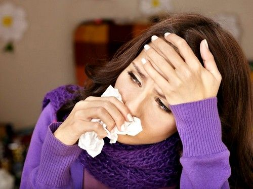 При гайморите инфекция поражает так называемые гайморовы пазухи – две маленькие полости по обеим сторонам носа