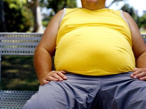 У людей, страдающих от ожирения, наблюдается повышенное потоотделение, которое может стать причиной раздражения заднепроходного отверстия