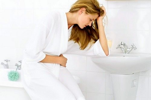 Частое мочеиспускание как признак связан с содержанием высокого уровня сахара в крови, от которого организм пытается таким образом избавиться