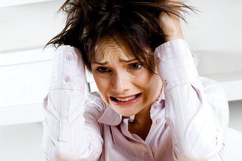 Стрессы ведут к нарушениям в работе эндокринной системы, гормональной, что в свою очередь может приводить к проблемам выработки инсулина поджелудочной