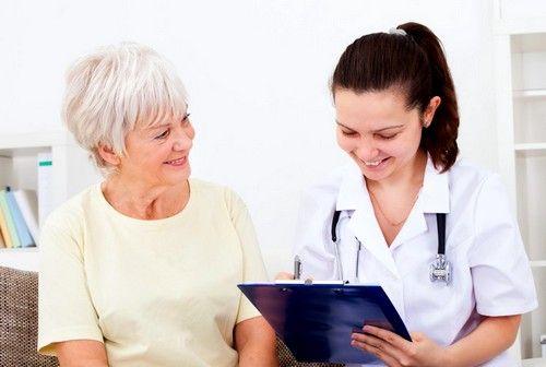Лечение болезни обычно включает в себя лишь нормализацию режима труда и отдыха