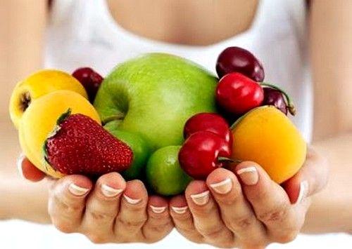 Частой причиной такого недуга является недостаток определенного количества витаминов и питательных веществ