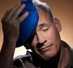 Головная боль и тошнота - первые симптомы теплового удара