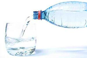 Ученые обнаружили напитки, которые обезвоживают организм