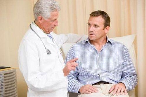 Лечить внутренний геморрой должен врач