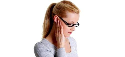 umflarea ganglionilor limfatici din spatele urechii