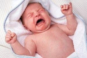 Вздутие живота у новорожденных, как лечить вздутие?